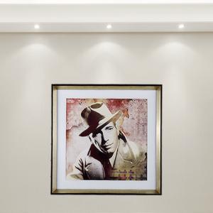 Quadro Super Luxo Cinema para Sala Quarto Camarim Hotéis, 65x65cm C/ Vidro 2mm e Moldura em Madeira com Chanfro Especial