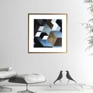 """Quadro Geométrico Super Luxo Cubos """"B"""" para Sala Quarto Hotéis Escritório, 50x50cm C/ Vidro 2mm e Moldura Especial na Cor Dourado Envelhecido"""