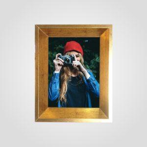Porta Retrato 18x25m C/ Vidro 2mm e Moldura Chanfrada na cor Ouro Envelhecido