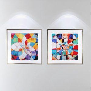 Par de Quadros Abstratos Vitral Colorido para Sala Quarto Hotéis Escritório, 80x80cm C/ Vidro 2mm e Moldura na Cor Prata