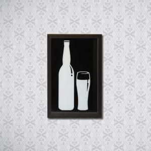 Quadro Porta Tampinhas de Cerveja Garrafa e Copo p/ Cozinhas Bares Área de Churrasco, 32x22cm C/ vidro 2mm e Moldura em Madeira na Cor Tabaco