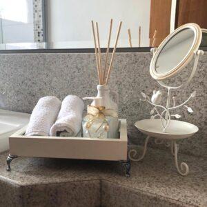 Bandeja Espelhada para Lavabo e Banheiro 22×17,5cm C/Espelho 3mm e Estrutura em Madeira na Cor Branca